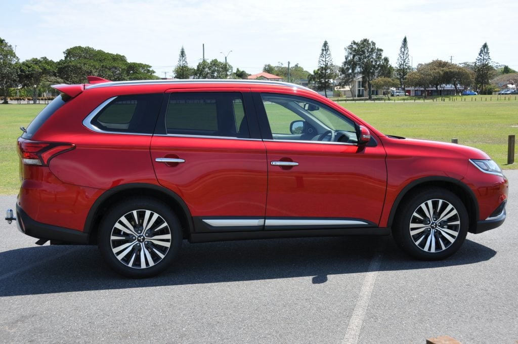 Mitsubishi Outlander Exceed Review